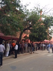 Queue at the Taj Mahal